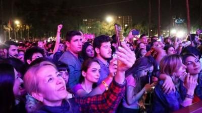 Gitar festivalinin son gününde Adanalı sanatçılar Adana'yı coşturdu
