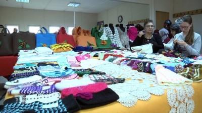 Ev hanımları kursta ürettikleri ürünleri ihtiyaç sahiplerine gönderecek