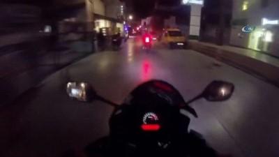 Motosiklet kazası kamerada... Kazayı gören vatandaş kılını bile kıpırdatmadı