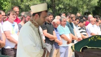 Dikili ilçesindeki kazada hayatını kaybeden 5 kişinin cenazesi defnedildi - İZMİR