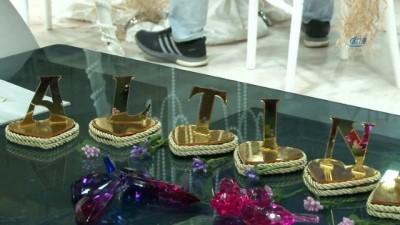 Mücevher Fuarı'nın gözdesi 1 milyon 100 bin TL'lik altın elbise satıldı