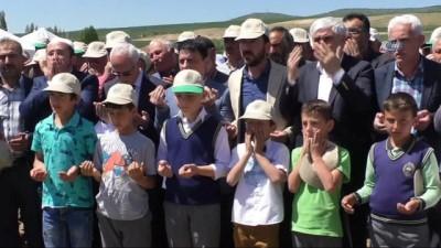 Yozgat'ta köylüler yağmur duasına çıktı