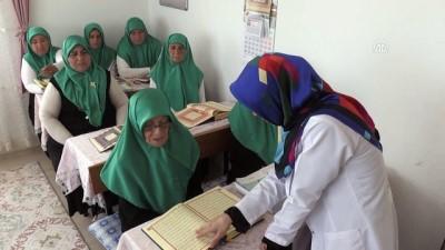 Huzurevi sakinlerinin Kur'an öğrenme mutluluğu - SİNOP