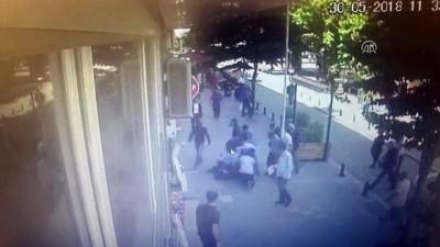 Sokakta eşini döven adama müdahale güvenlik kamerasında - İSTANBUL