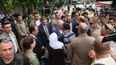 Başbakan Yıldırım, Uşak Valiliği'ni ziyaret etti
