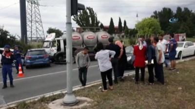 Süt tankeri ışıkta bekleyen 6 aracın arasına daldı