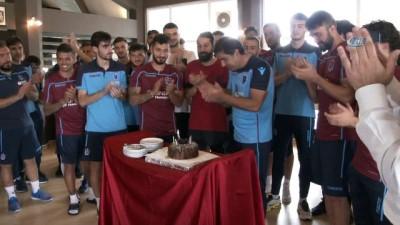 Trabzonspor'da Ünal Karaman'a doğum günü kutlaması