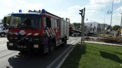 Ankara-Kayseri kara yolunda ışık ihlali sonucu kaza: 2 yaralı