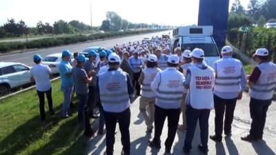 Bolu'da, makarna fabrikası işçileri grev başlattı