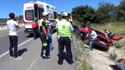 Menfeze uçan otomobil hurdaya döndü: 4 yaralı
