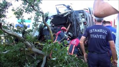 Silivri'de beton mikseri devrildi: 1 ölü, 1 yaralı - İSTANBUL
