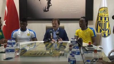 Ankaragücü, Malaga'lı futbolcu Bakary Kone'yi renklerine bağladı