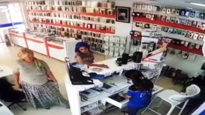 Cep telefonu hırsızlık anları kameralara böyle yansıdı