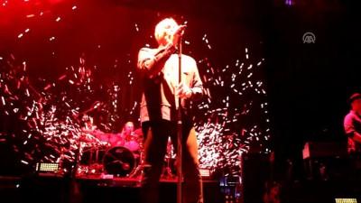 İngiliz sanatçı Tom Jones Antalya'da konser verdi