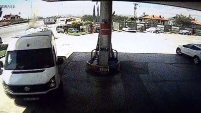 LPG'li otomobil akaryakıt istasyonunda alev aldı - KONYA