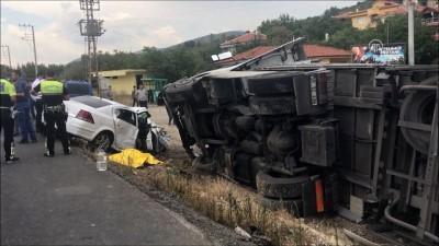 Otomobil tırla çarpıştı: 1 ölü, 3 yaralı - KONYA