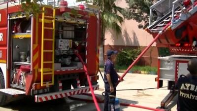Tadilat esnasında çıkan yangın, okul çatısını yok etti