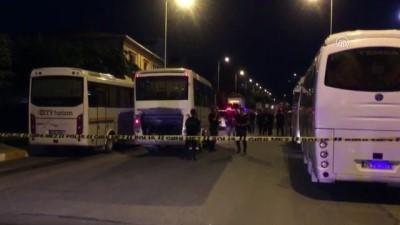 Kavgaya müdahale eden polise taşlı saldırı - İSTANBUL