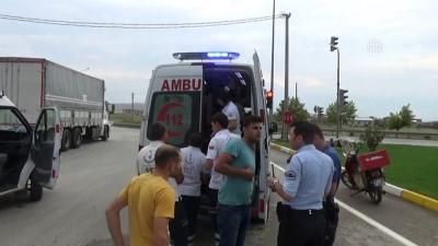 Otomobil ile kamyonet çarpıştı: 4 yaralı - AFYONKARAHİSAR