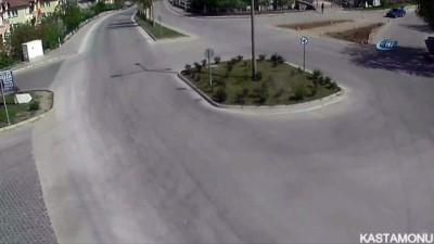 Trafik kazaları MOBESE kameralarına anbean yansıdı