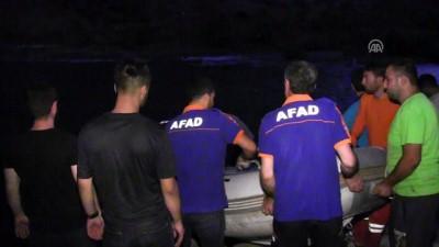 Botan Çayı'nda mahsur kalan iki kişi kurtarıldı - SİİRT