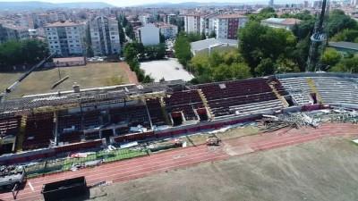 Türkiye'de sporun 65 yıllık şahidinin yıkımı devam ediyor
