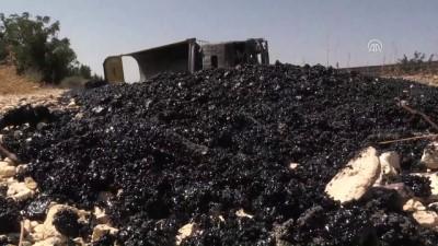 Asfalt malzemesi yüklü tır devrildi: 1 yaralı - GAZİANTEP
