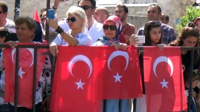 Sivas, Yozgat ve Tokat'ta 30 Ağustos coşkusu...Okçuların gösterisi sırasında kısa süreli yangın paniği yaşandı