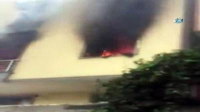 Kağıthane'de bir binanın birinci katında yangın çıktı.Yangında büyük panik yaşanırken, itfaiye ekipleri yangını söndürdü.