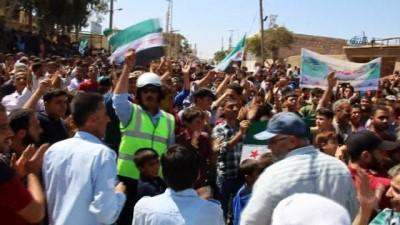 - Suriyeliler'den İdlib İçin Protesto