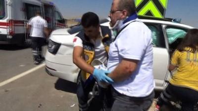 Suriyelinin kullandığı otomobil kamyonete çarptı: 1 ölü, 4 yaralı