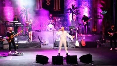 Mabel Matiz Bodrum antik tiyatroda konser verdi