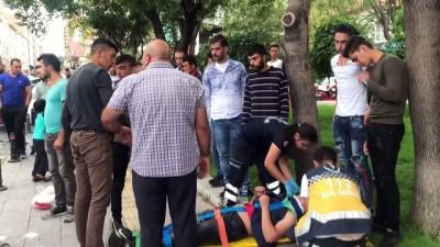 Karaman'da otomobille iki elektrikli bisiklet çarpıştı: 3 yaralı