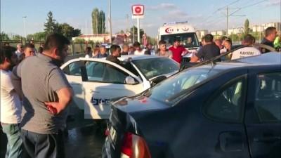 İki otomobil çarpıştı: 4 yaralı - KAYSERİ