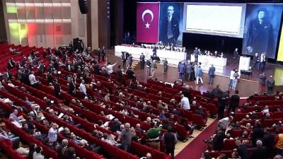 Galatasaray Kulübü olağanüstü genel kurul toplantısında gerginlik - İSTANBUL