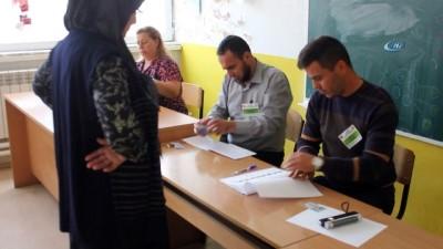 - Makedonya, referandum için sandık başında
