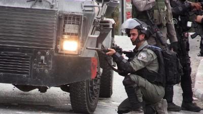 İsrail, Batı Şeria'da 3 Filistinliyi gözaltına aldı - RAMALLAH