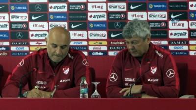 Mircea Lucescu: 'Milli takımı seven ve oynamak isteyen bir ekip oluşturmaya çalışıyoruz'