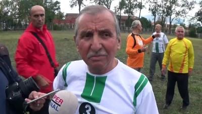 50 yıl sonra aynı yerde futbol oynadılar