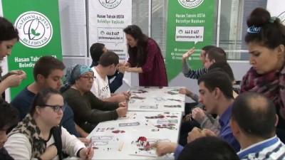 Gaziosmanpaşa'da engelli öğrenciler Karagöz tasviri yaptı