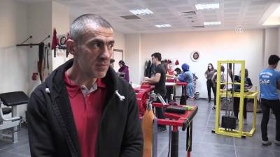 'Dünyanın en iyi bilek güreşçisi', 13. şampiyonluk peşinde- YALOVA