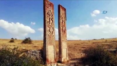 Defineciler Erzincan'da tarihi yok ediyor