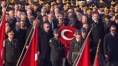 Cumhurbaşkanı Erdoğan, Ata'nın huzuruna çelenk bıraktı