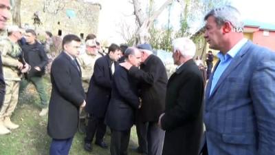 Vali Aktaş, şehit güvenlik korucusunun ailesine taziye ziyaretinde bulundu