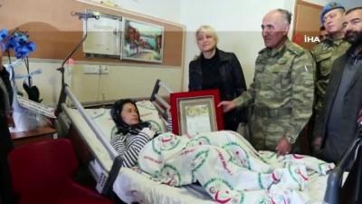8. Kolordu komutanı Erbaş'tan doğum yapan şehit eşine ziyaret