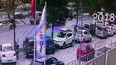 Kavşaktan kontrolsüz çıkan kadın sürücü, çarptığı otomobile takla attırdı...Kaza anı saniye saniye kamerada