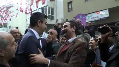 CHP Kartal Belediye Başkan Adayı Gökhan Yüksel vatandaşlar ve partililerle bir araya geldi