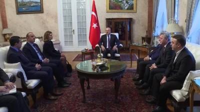 Çavuşoğlu, Romanya'da yaşayan Türk işadamları ile bir araya geldi - BÜKREŞ