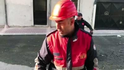 Mersin'de 5 katlı bina çöktü (2)