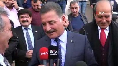 Mersin'de başkan adayları oyunu kullandı